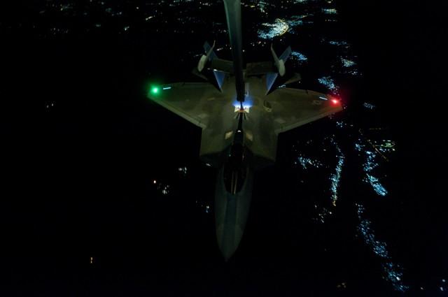 F-22 Raptor refuel raid  siria